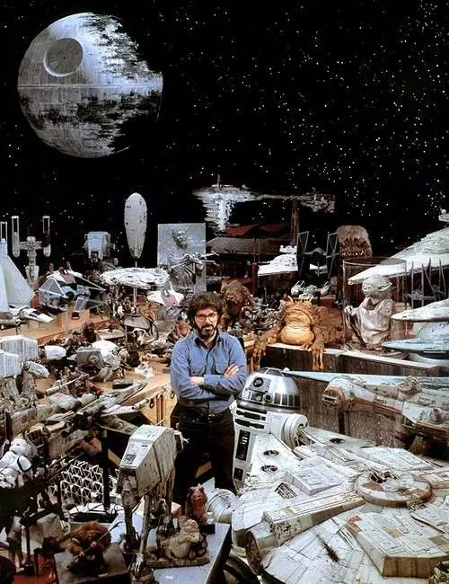 0-lucas-with-star-wars-props