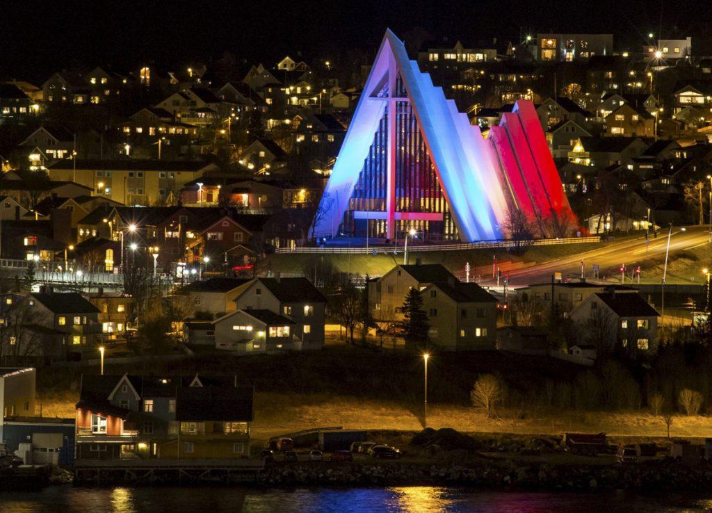 Арктическата катедрала в Тромсьо, Норвегия