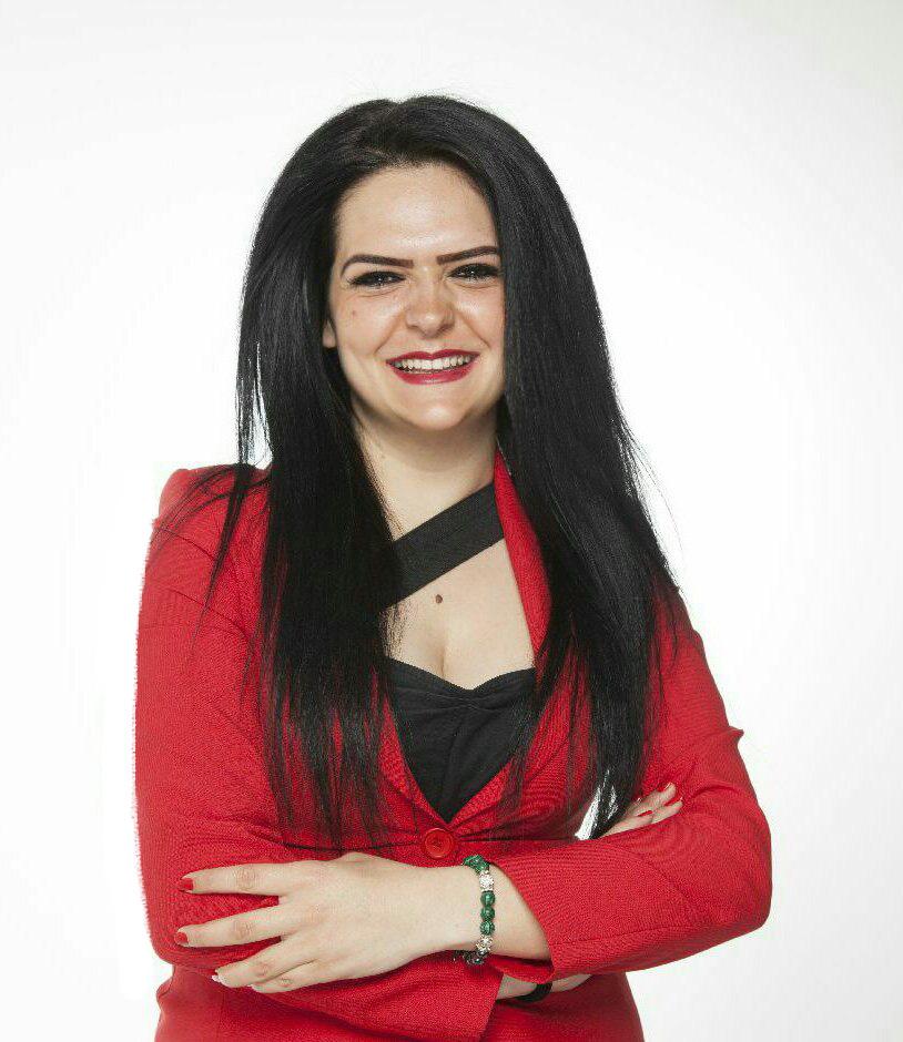 Елена Николова