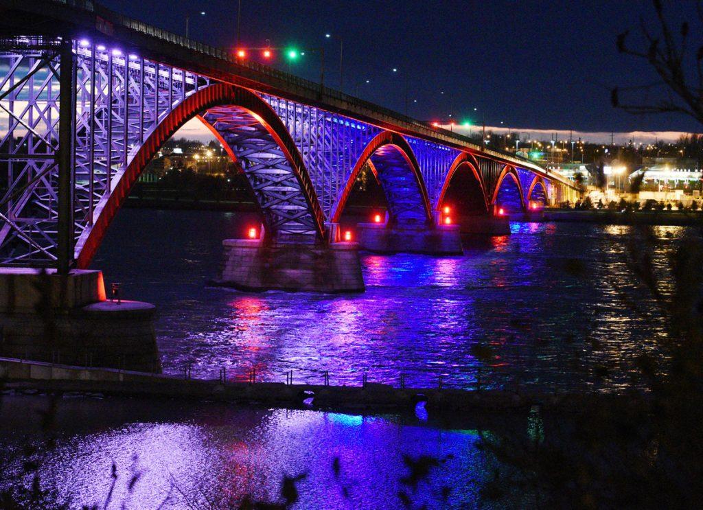 """""""Мостът на мира"""", който свързва Съединените щати и Канада"""