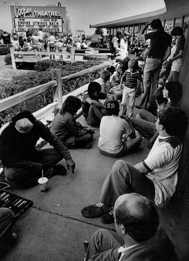 """22 май, 1980 година - фенове в Денвър очакват да се насладят на """"Империята отвръща на удара"""""""