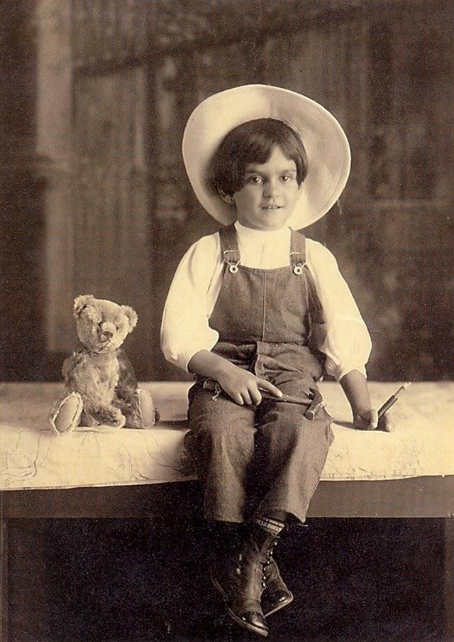 Фрида Кало на 6 (1913)