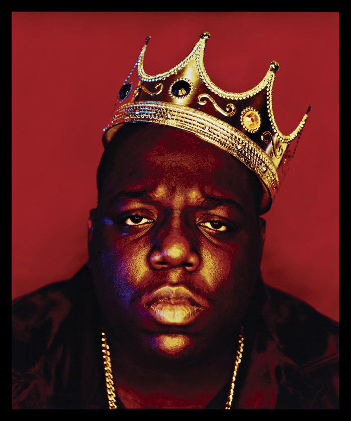 """The Notorious B.I.G. е често наричан и до днес """"Краля на Ню Йорк"""", като мнозина го определят за най-великия рапър, живял и творял някога в Голямата ябълка. През 1997 година, само три дни преди убийството на Biggie, бруклинският изпълнител слага корона на главата си и потвърждава """"кралския"""" си статут в хип-хоп индустрията завинаги."""
