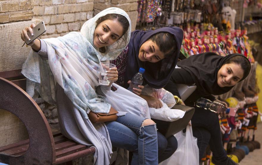 Селфи на пазара Шираз