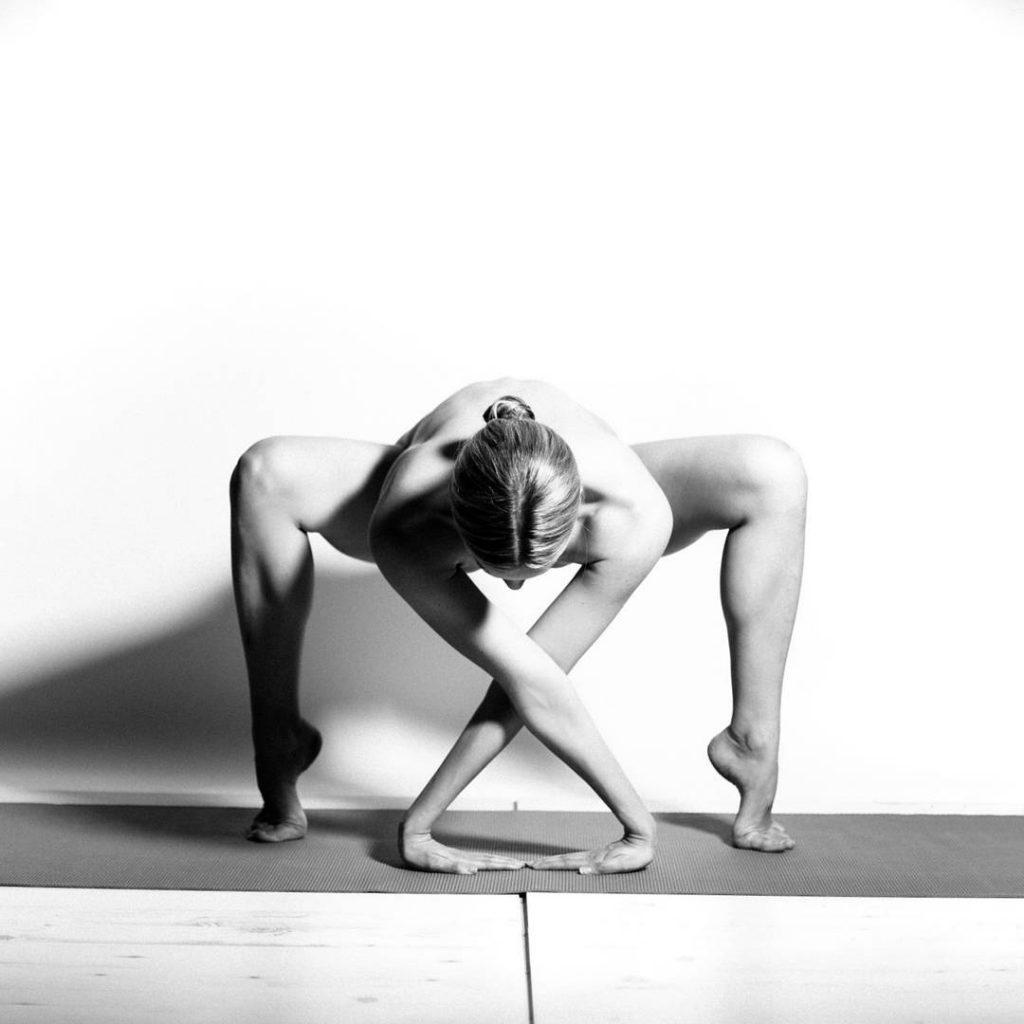 instagram-yoga-girl-flexible-body-38
