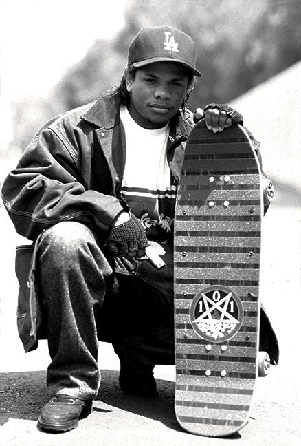 Пред обектива на Милър се спира и друга от големите легенди на West Coast рапа - Eazy-E