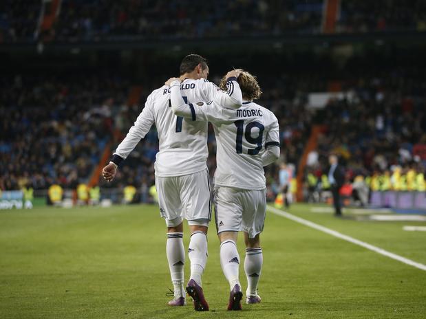 Кристиано Роналдо и Лука Модрич са съотборници в Реал Мадрид, но този път ще трябва да играят един срещу друг