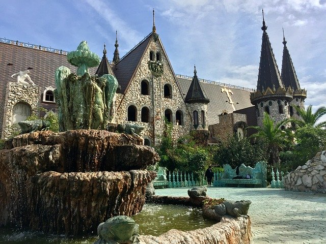 Равадиново замък